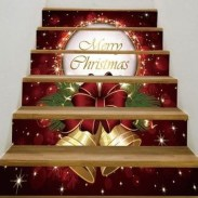 38 Cool And Fun Christmas Stairs Decoration Ideas 09
