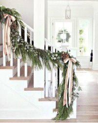 38 Cool And Fun Christmas Stairs Decoration Ideas 20