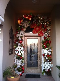 38 Stunning Christmas Front Door Decoration Ideas 01