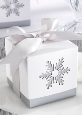 40 Amazing Ideas How To Use Jingle Bells For Christmas Decoration 07