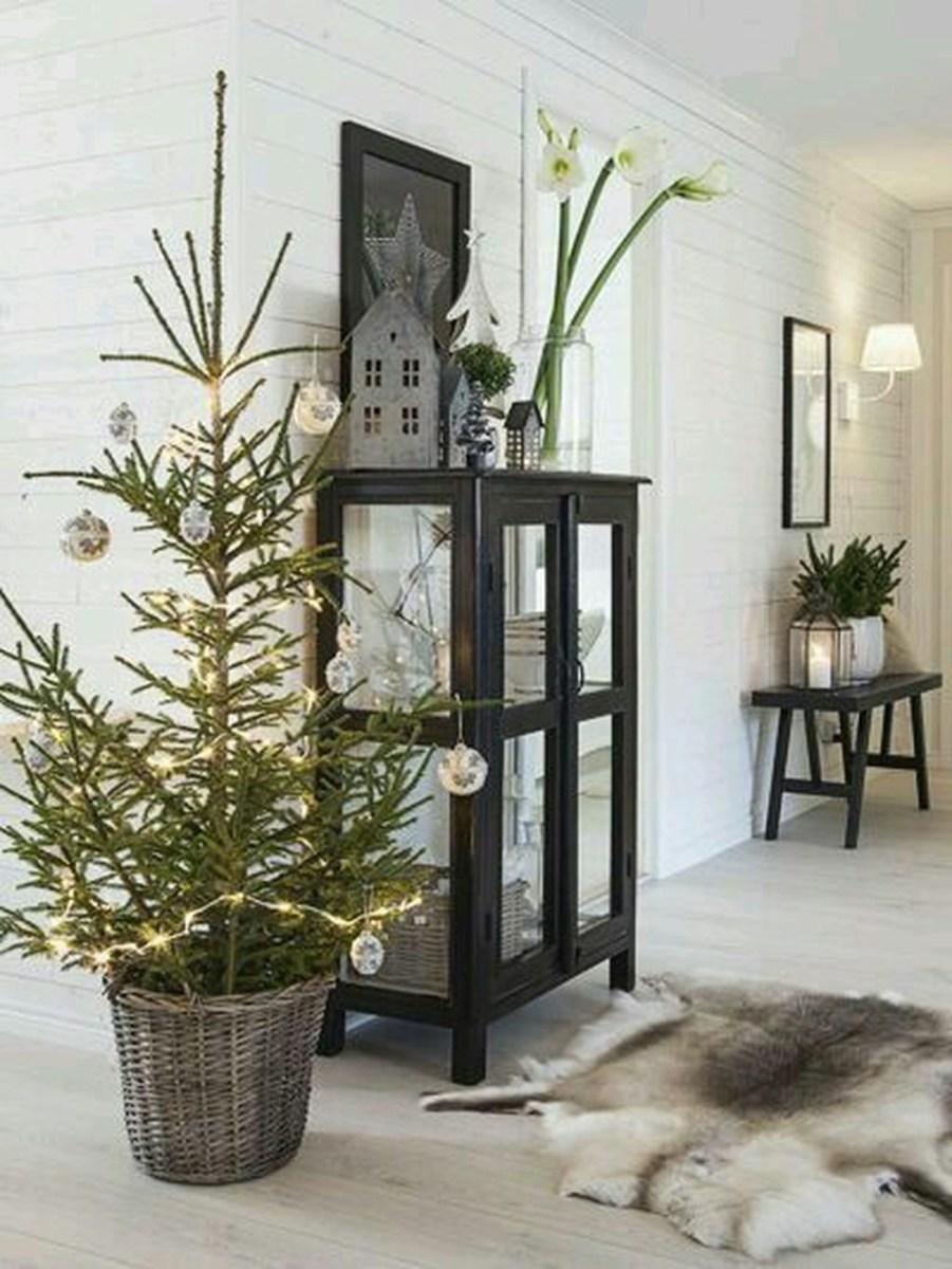 40 Awesome Scandinavian Christmas Decoration Ideas 09