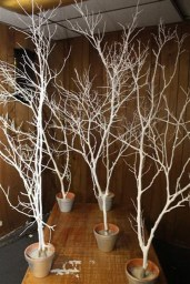 40 Ezciting Silver And White Christmas Tree Decoration Ideas 01
