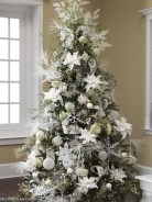 40 Ezciting Silver And White Christmas Tree Decoration Ideas 22