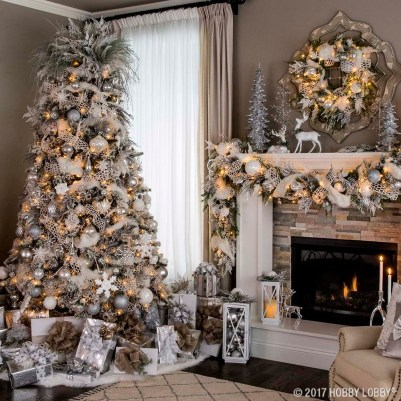 40 Ezciting Silver And White Christmas Tree Decoration Ideas 35