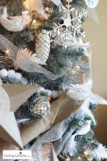40 Ezciting Silver And White Christmas Tree Decoration Ideas 38