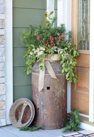 Beautiful Rustic Outdoor Christmas Decoration Ideas 26