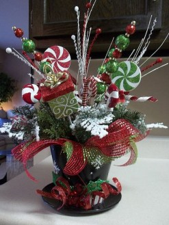 Brilliant DIY Christmas Centerpieces Ideas You Should Try 46