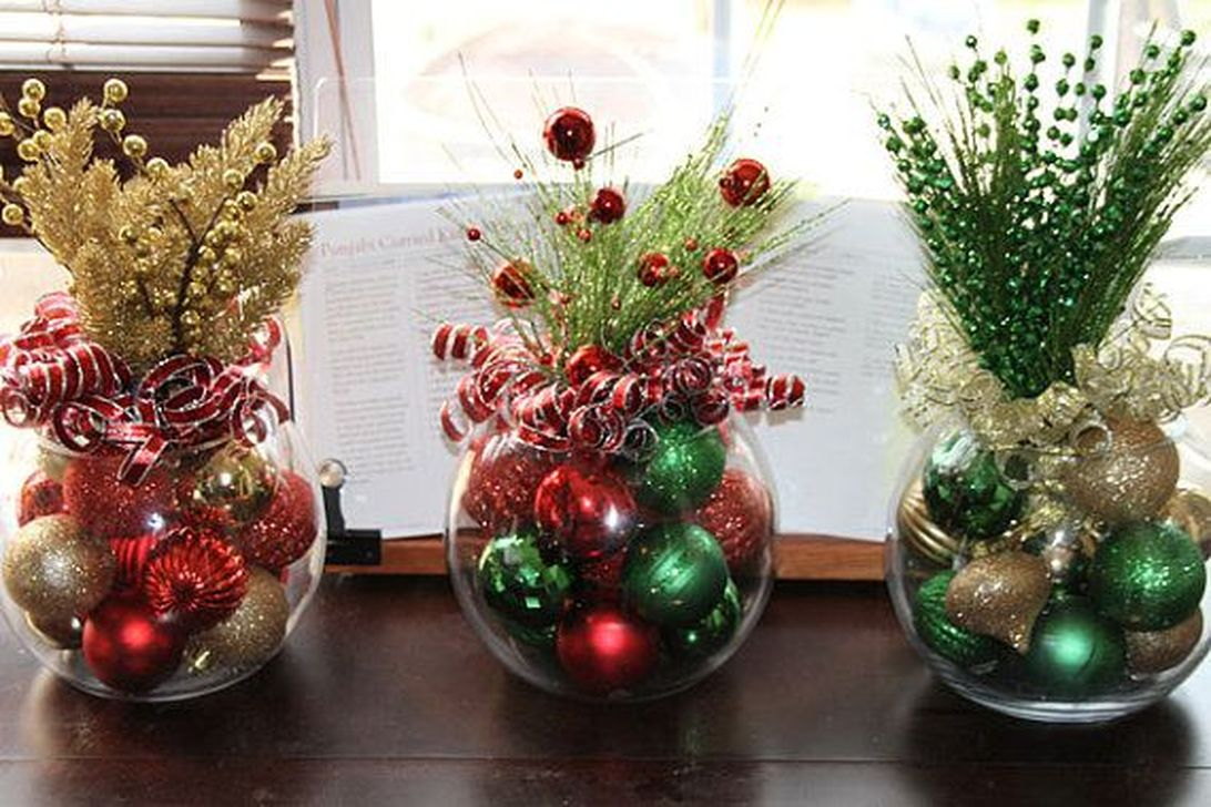 Cheap And Easy Christmas Centerpieces Ideas 24