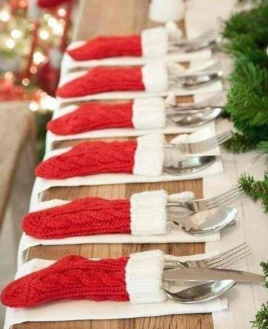Cheap And Easy Christmas Centerpieces Ideas 43