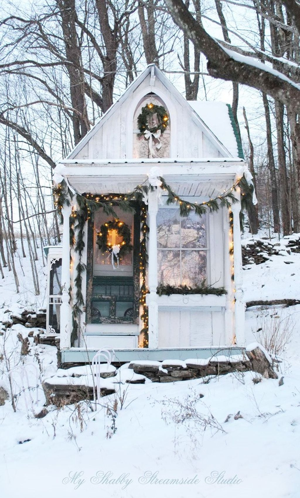 Cozy Christmas House Decoration 24