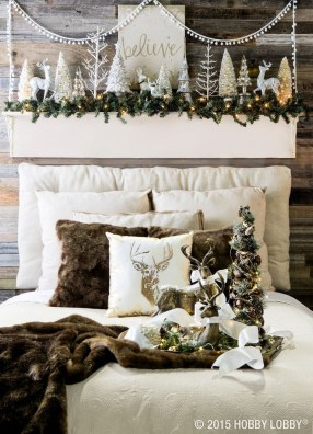 Cozy Christmas House Decoration 33