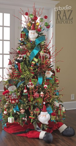Cute And Colorful Christmas Tree Decoration Ideas To Freshen Up Your Home 17
