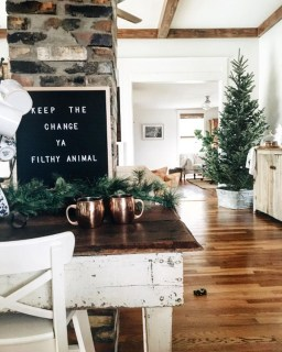 Elegant Rustic Christmas Decoration Ideas That Stands Out 02