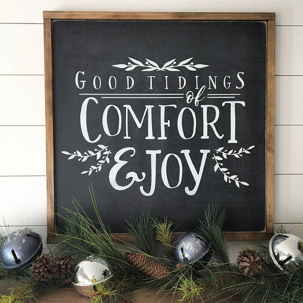 Elegant Rustic Christmas Decoration Ideas That Stands Out 17