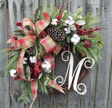 Elegant Rustic Christmas Decoration Ideas That Stands Out 34