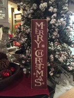 Elegant Rustic Christmas Decoration Ideas That Stands Out 37