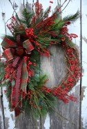 Elegant Rustic Christmas Wreaths Decoration Ideas To Celebrate Your Holiday 27