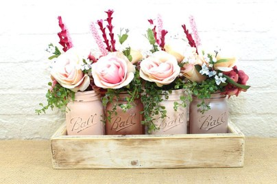Gorgeous Pink And Gold Christmas Decoration Ideas 12