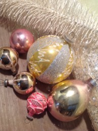 Gorgeous Pink And Gold Christmas Decoration Ideas 24