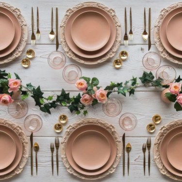 Gorgeous Pink And Gold Christmas Decoration Ideas 30