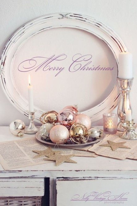 Gorgeous Pink And Gold Christmas Decoration Ideas 43