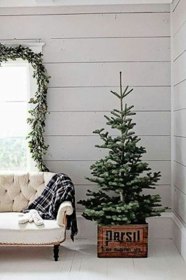 Inspiring Christmas Decoration Ideas For Your Apartment 26