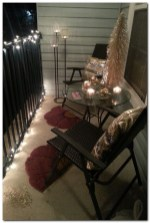 Inspiring Christmas Decoration Ideas For Your Apartment 29