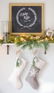 Inspiring Christmas Decoration Ideas For Your Apartment 46