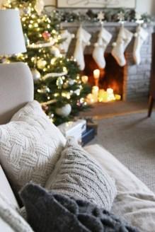 Inspiring Chritsmas Livingroom Ideas 23