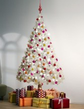 Inspiring Home Decoration Ideas With Small Christmas Tree 09