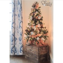 Inspiring Home Decoration Ideas With Small Christmas Tree 45