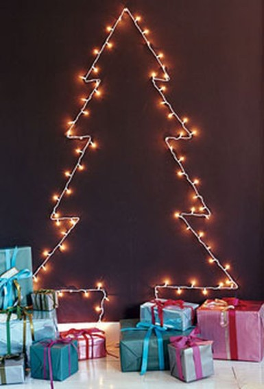Inspiring Home Decoration Ideas With Small Christmas Tree 47