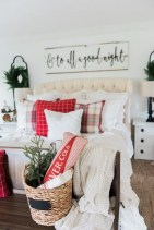 Simple Christmas Bedroom Decoration Ideas 16