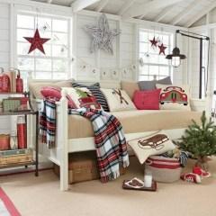 Simple Christmas Bedroom Decoration Ideas 33
