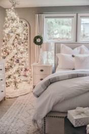 Simple Christmas Bedroom Decoration Ideas 37