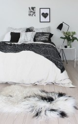 Stunning Black And White Bedroom Decoration Ideas 06