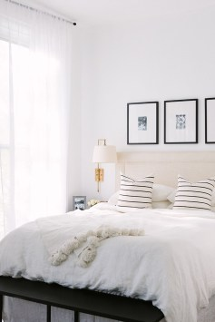 Stunning Black And White Bedroom Decoration Ideas 10