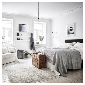 Stunning Black And White Bedroom Decoration Ideas 14