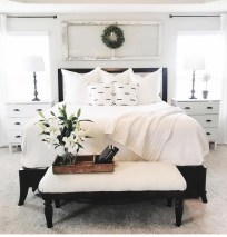 Stunning Black And White Bedroom Decoration Ideas 21