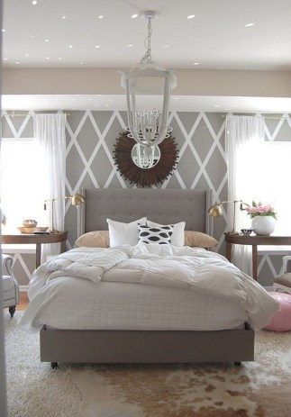 Stunning Black And White Bedroom Decoration Ideas 36