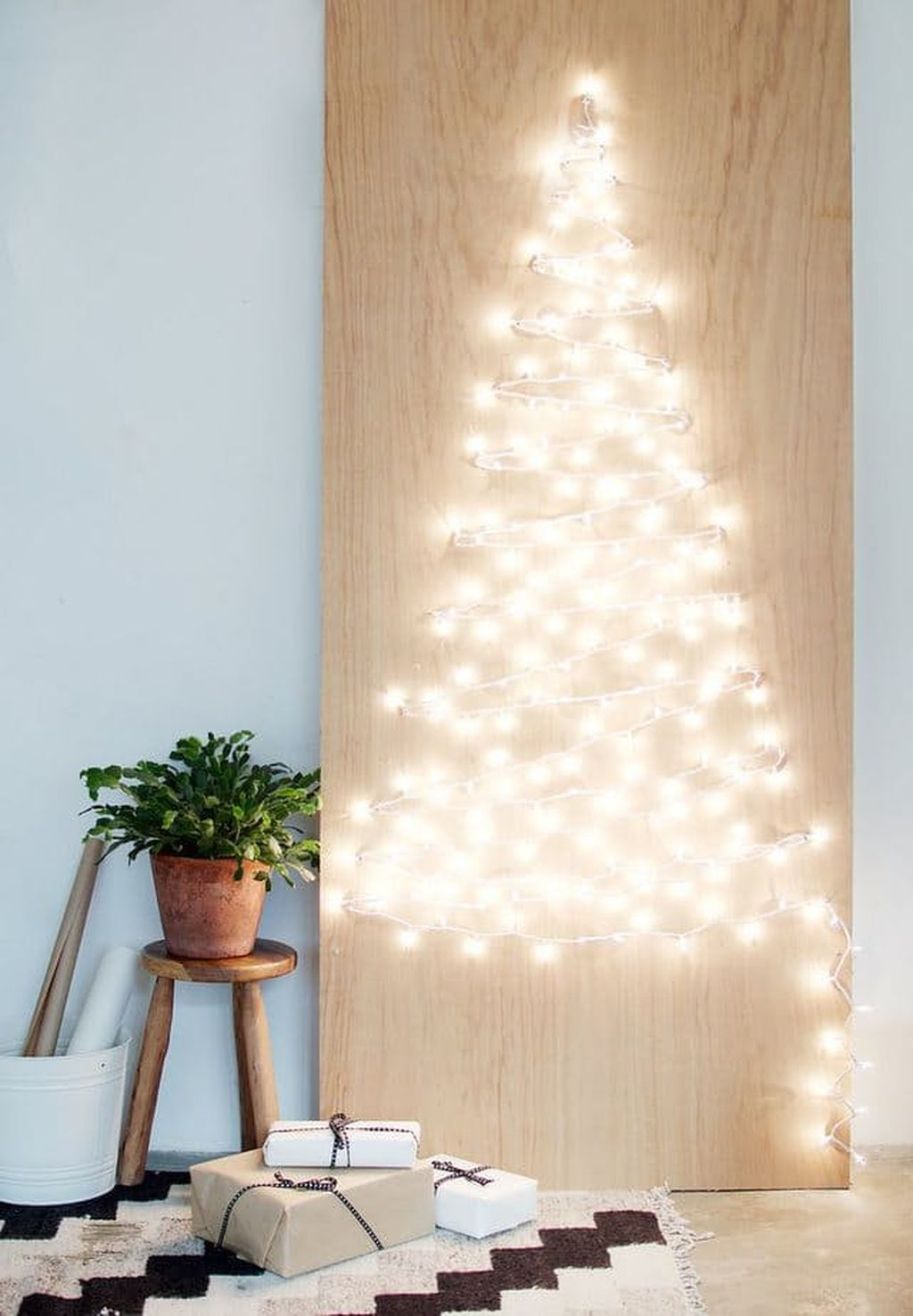 Totally Inspiring Christmas Lighting Ideas You Should Try For Your Home 48
