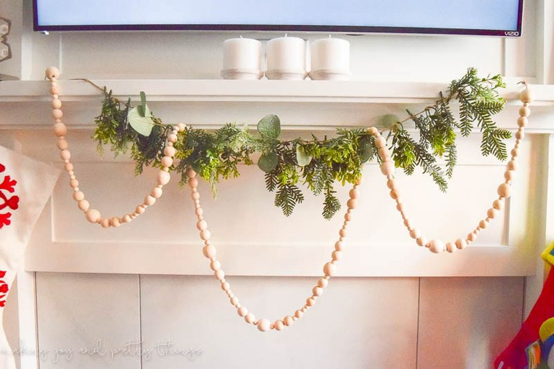 Totally Inspiring Farmhouse Christmas Decoration Ideas To Makes Your Home Stands Out 13
