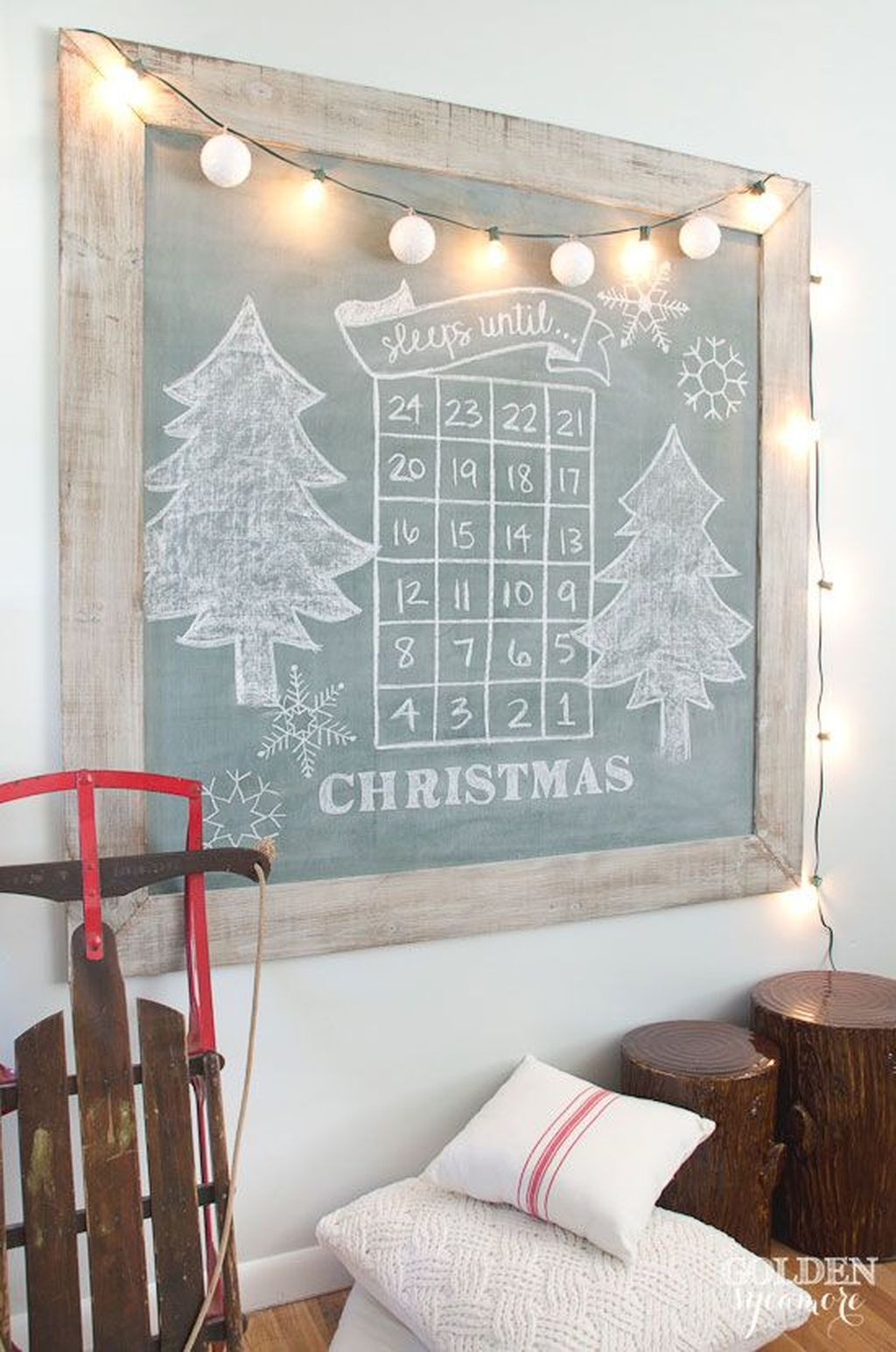 Totally Inspiring Farmhouse Christmas Decoration Ideas To Makes Your Home Stands Out 26