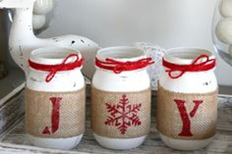 Totally Inspiring Farmhouse Christmas Decoration Ideas To Makes Your Home Stands Out 46
