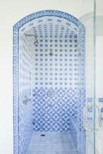 36 Cool Blue Bathroom Design Ideas 27