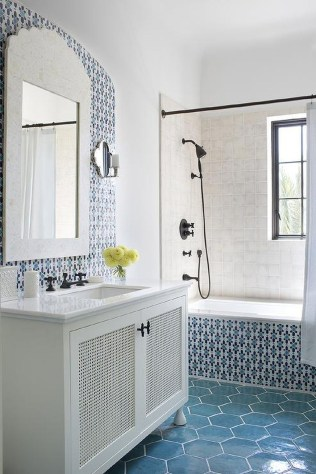 36 Cool Blue Bathroom Design Ideas 36