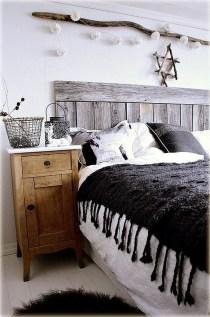 37 Cozy Rustic Bedroom Design Ideas 04