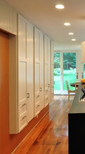 38 Brilliant Hallway Storage Decoration Ideas06