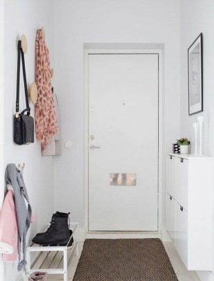 38 Brilliant Hallway Storage Decoration Ideas15
