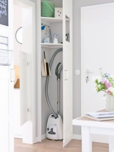38 Brilliant Hallway Storage Decoration Ideas27